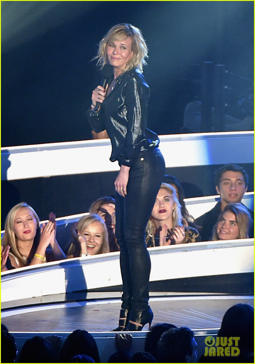 chelsea handler jokes about her small butt mtv vmas 2014 05