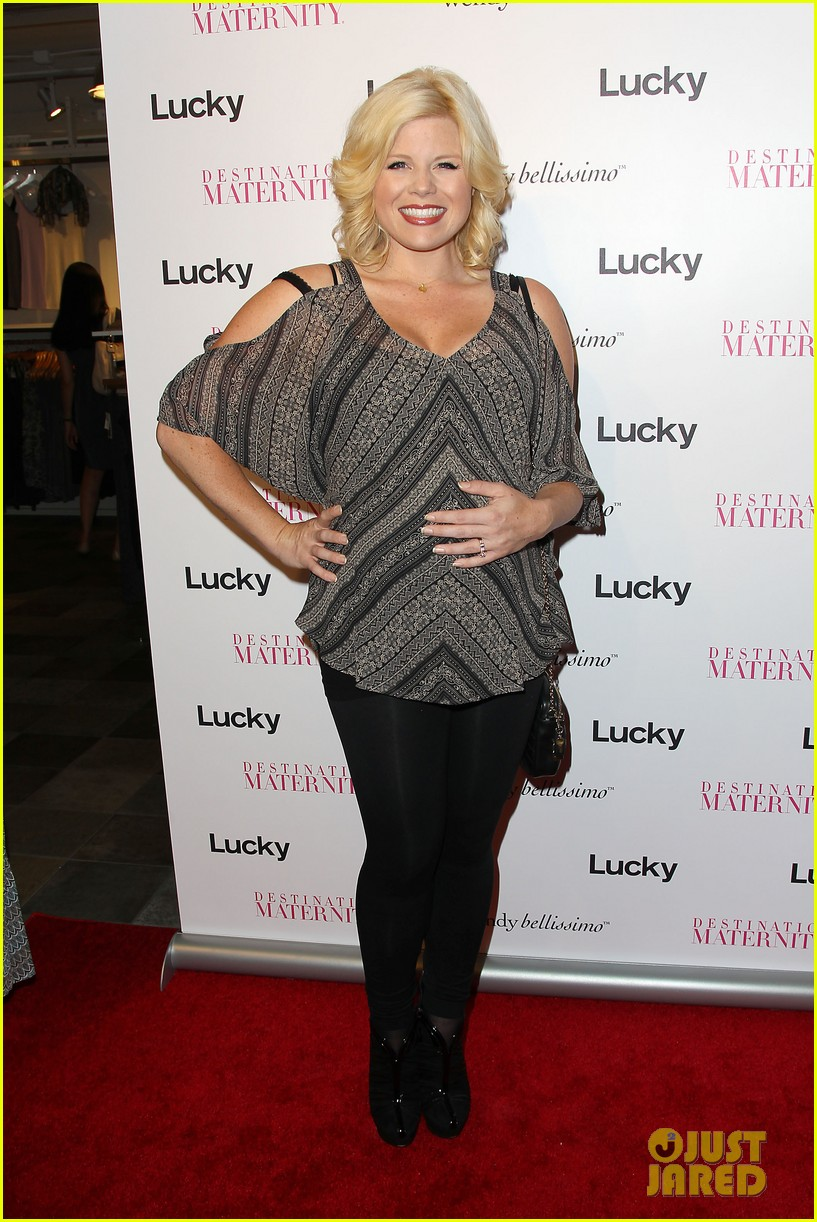 megan hilty says she bullies audiences into buying her cds 11