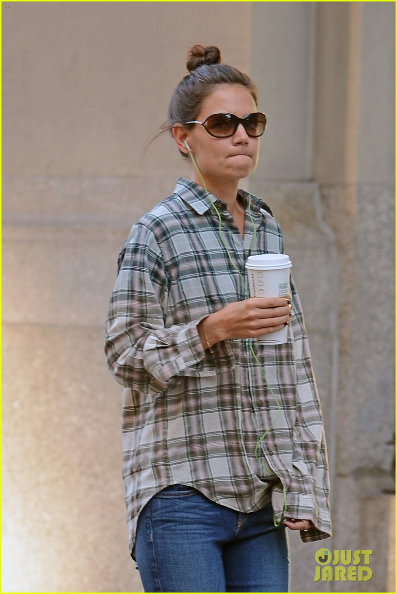 katie holmes discusses the giver celebration of life 043179121