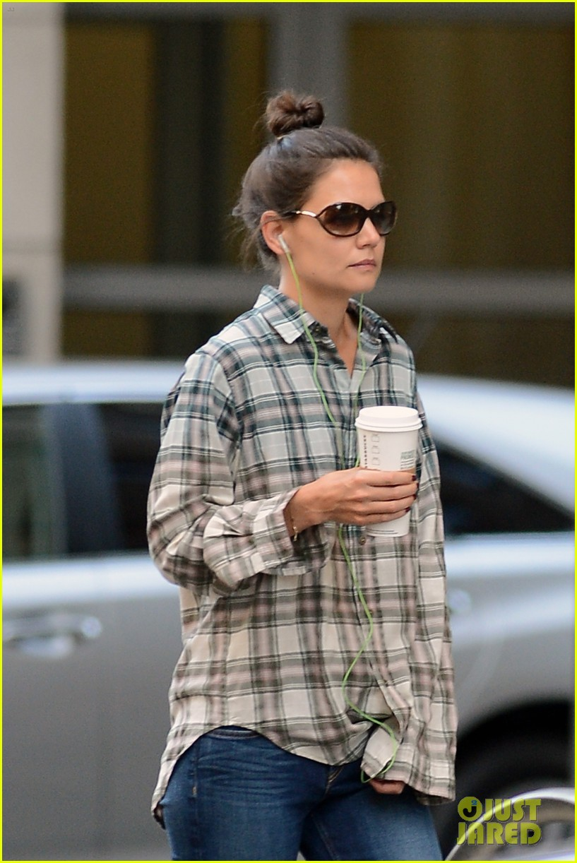 katie holmes discusses the giver celebration of life 153179132