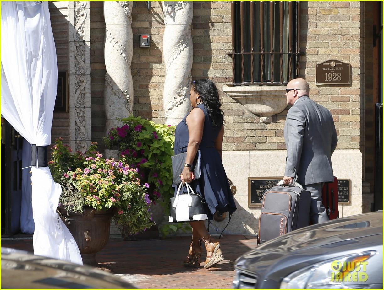 jenny mccarthys wedding dress revealed in wedding pics 063187197