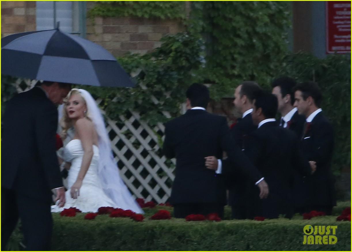 jenny mccarthys wedding dress revealed in wedding pics 143187205