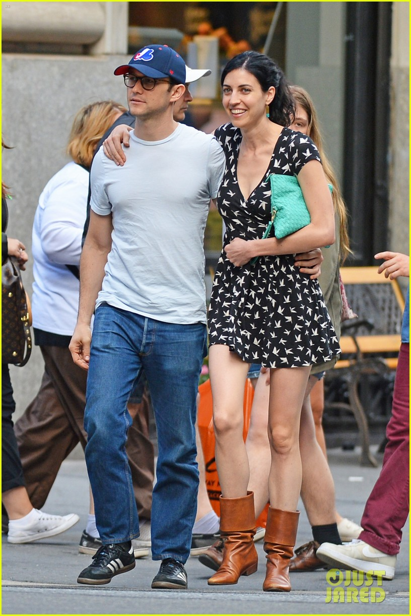 joseph gordon levitt girlfriend tasha mccauley look happy as can be 013182793