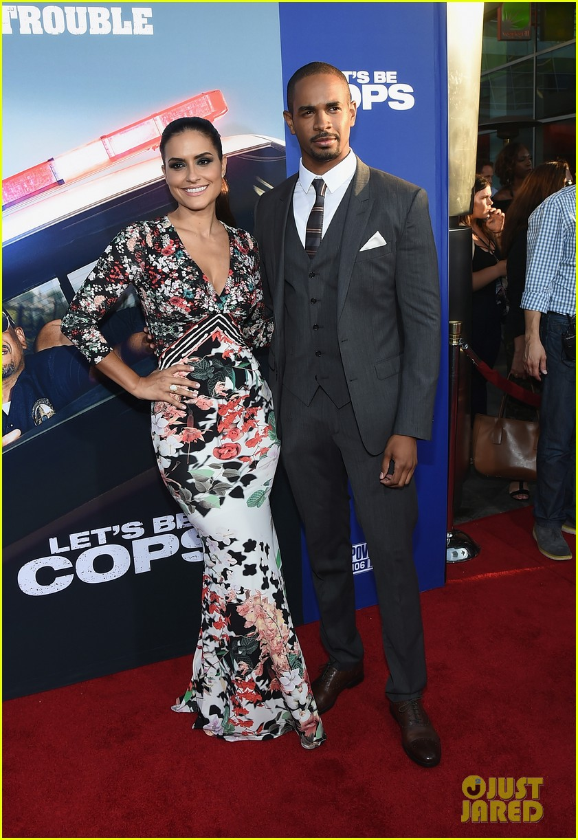 jake johnson damon wayans jr lets be cops premiere 033172792