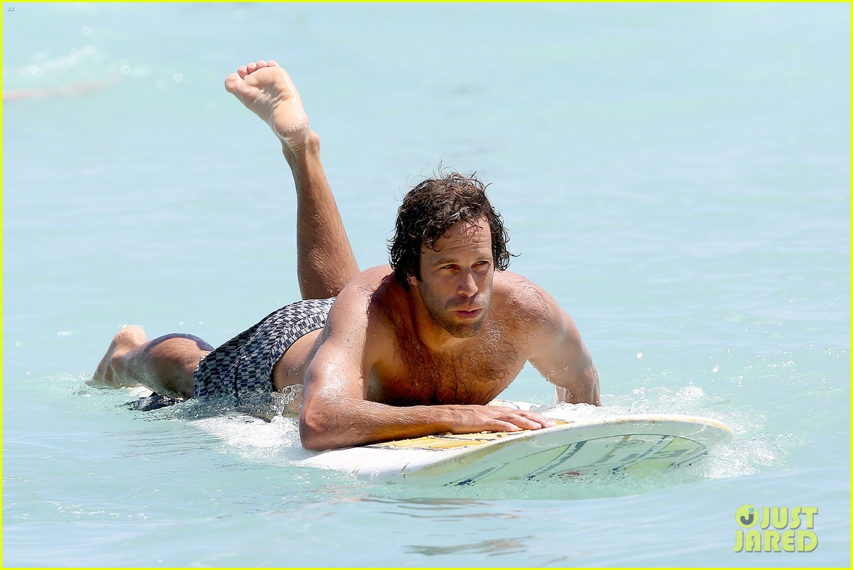 jack johnson shows off hot body shirtless surf session 173169407