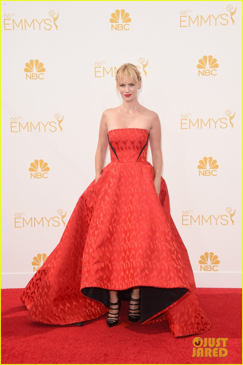 january jones jessica pare emmys 2014 red carpet 033183403