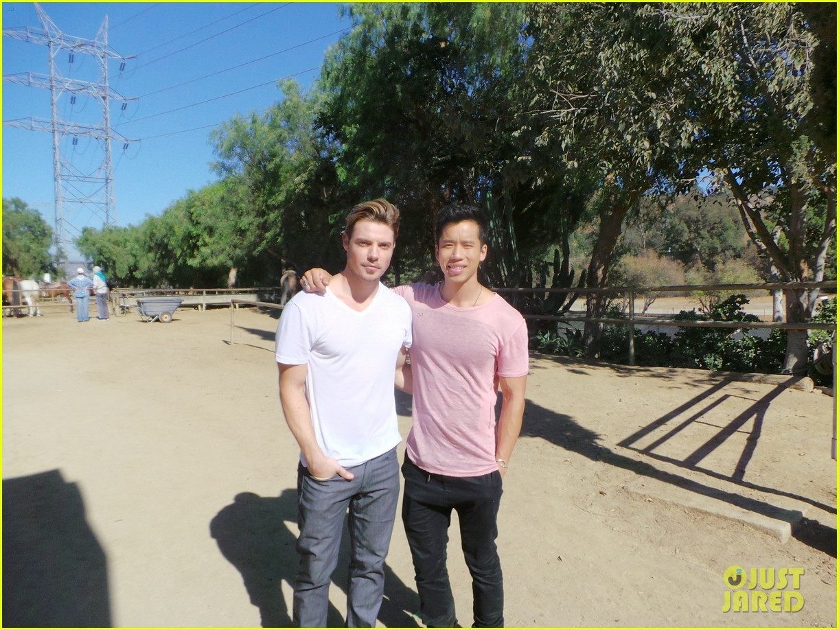 josh henderson jj spotlight behind the scenes pics 02