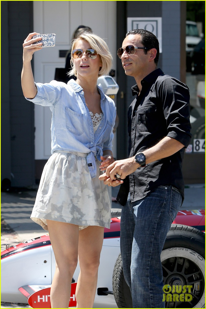 julianne hough helio castroneves selfie before race 013184922