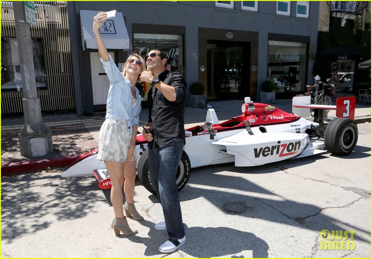 julianne hough helio castroneves selfie before race 043184925