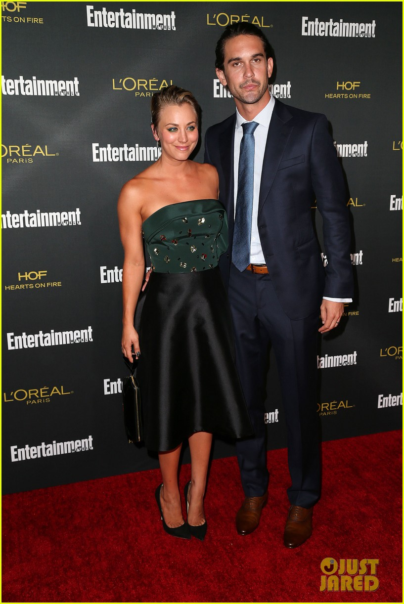 kaley cuoco ryan sweeting ew emmys party 2014 033182094