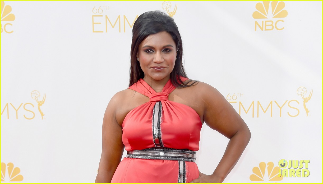 mindy kaling emmys 2014 red carpet 043183648