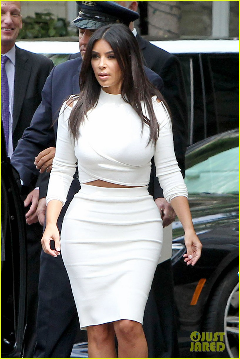 kim kardashian showcase acting on 2 broke girls 023183935