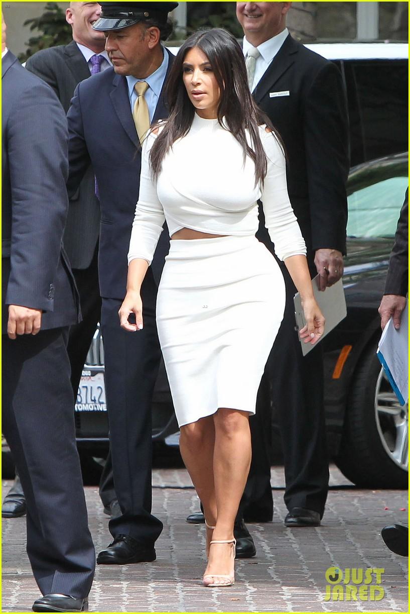 kim kardashian showcase acting on 2 broke girls 043183937