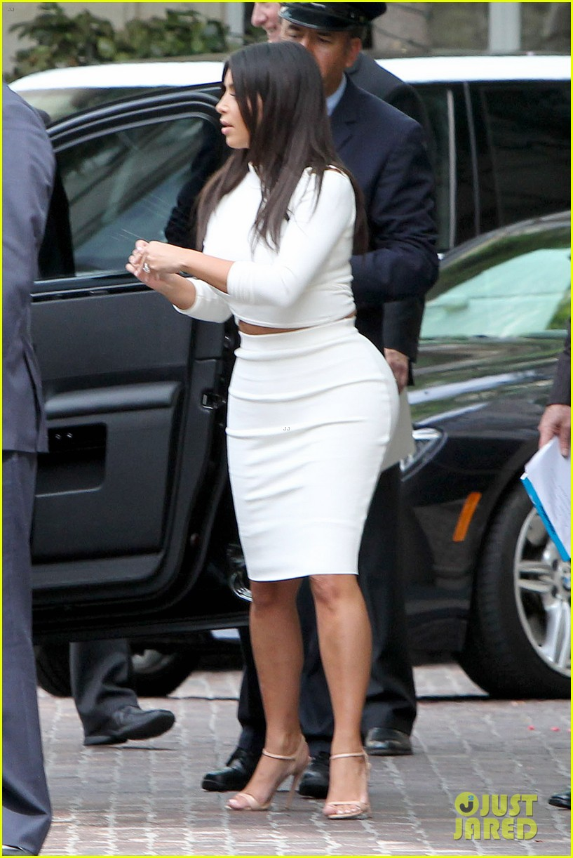 kim kardashian showcase acting on 2 broke girls 053183938