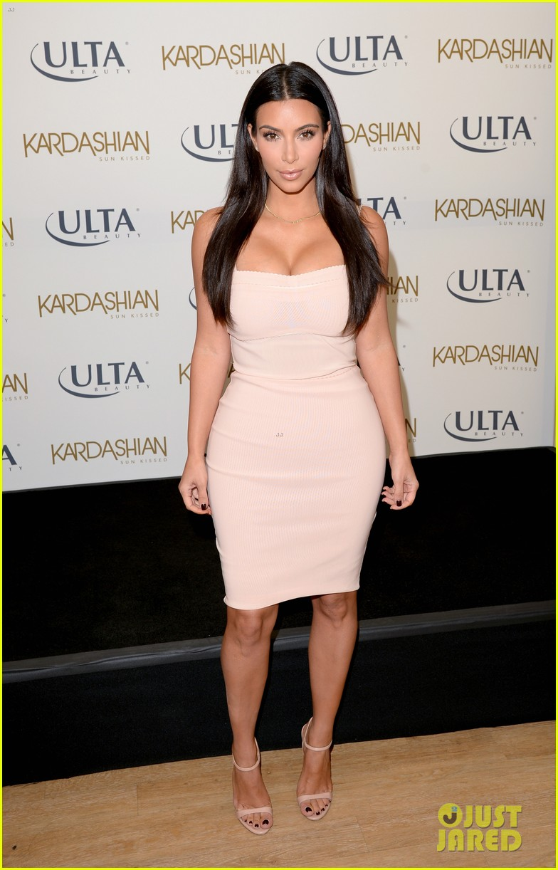 kim kardashian feels younger because of her dermatologist 253171930