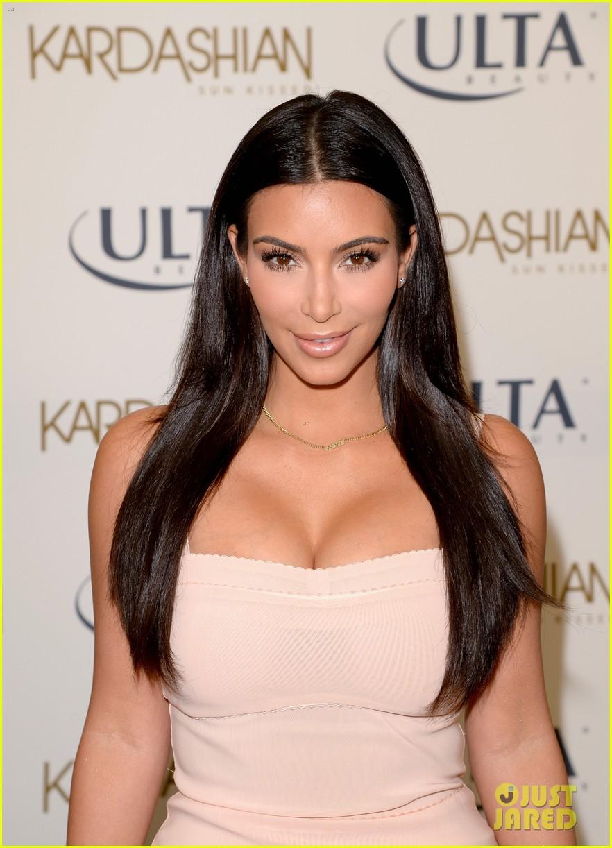 kim kardashian feels younger because of her dermatologist 273171932