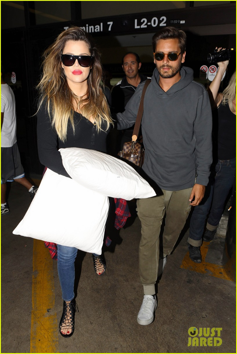 khloe kardashian touches down at lax with scott disick after hosting together 053178480
