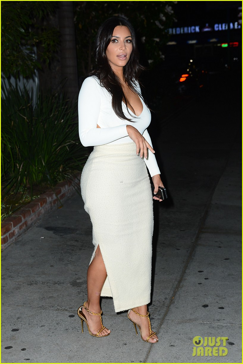 kim kardashian kanye west step out for date night 01