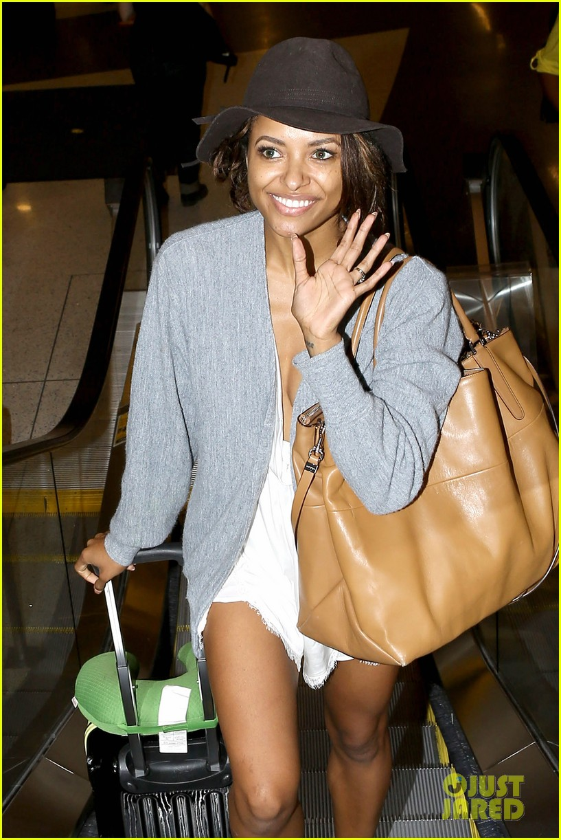 kat graham ice bucket lax arrival 03
