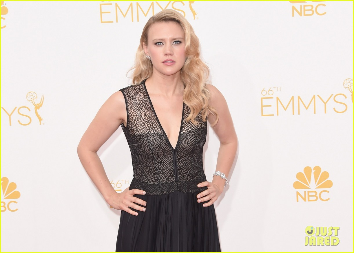 saturday night lives kate mckinnon emmys 2014 04
