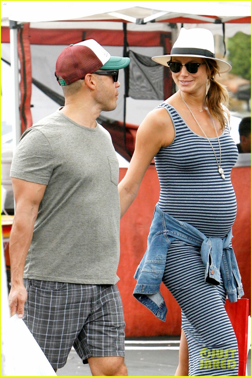 stacy keibler steps out with large baby bump 063169447