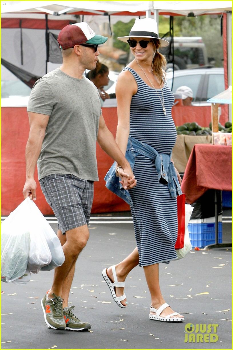 stacy keibler steps out with large baby bump 203169461