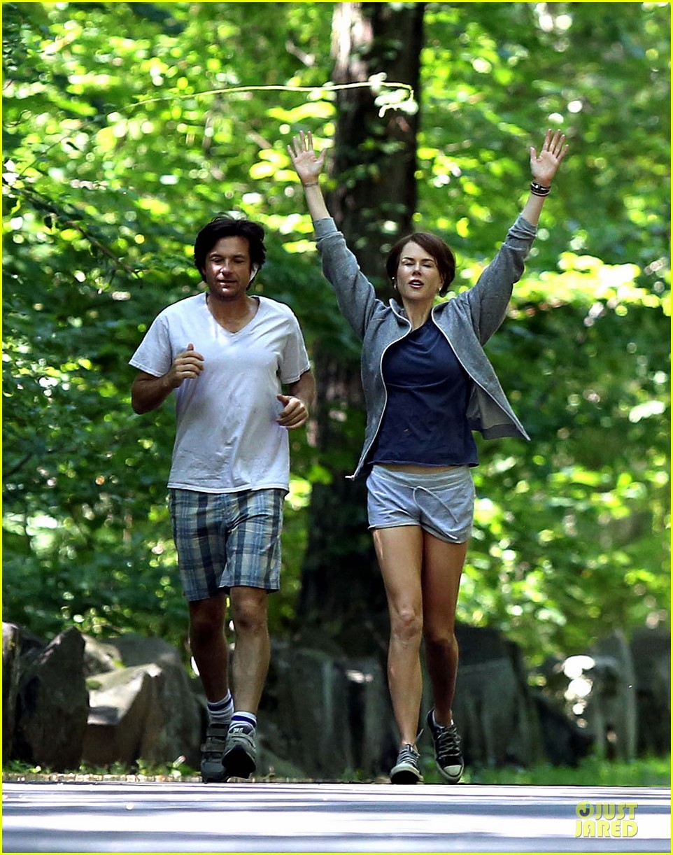 nicole kidman jason bateman hot sweaty during jog 05