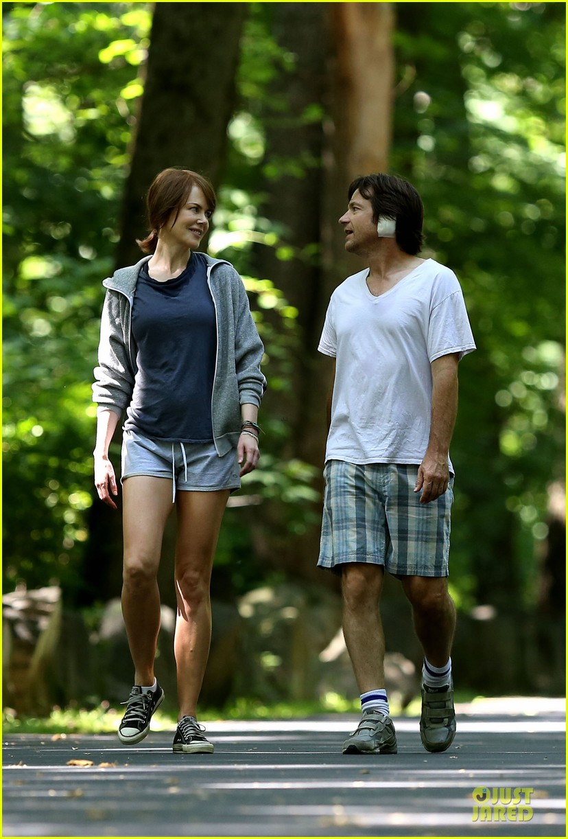 nicole kidman jason bateman hot sweaty during jog 07