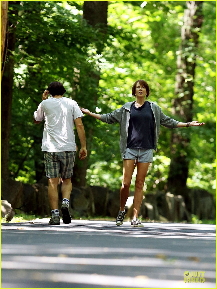 nicole kidman jason bateman hot sweaty during jog 083179234