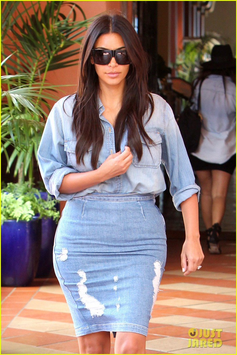 kim kardashian does double denim lots of cleavage on family outing 013181024