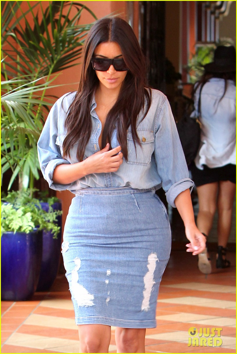 kim kardashian does double denim lots of cleavage on family outing 093181032
