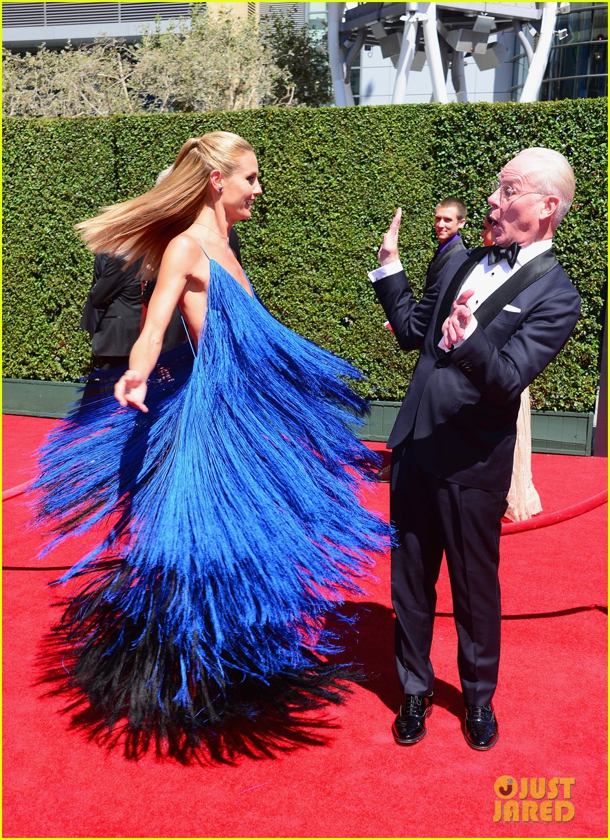 heidi klum twirls into tim gunn creative arts emmys 023177686