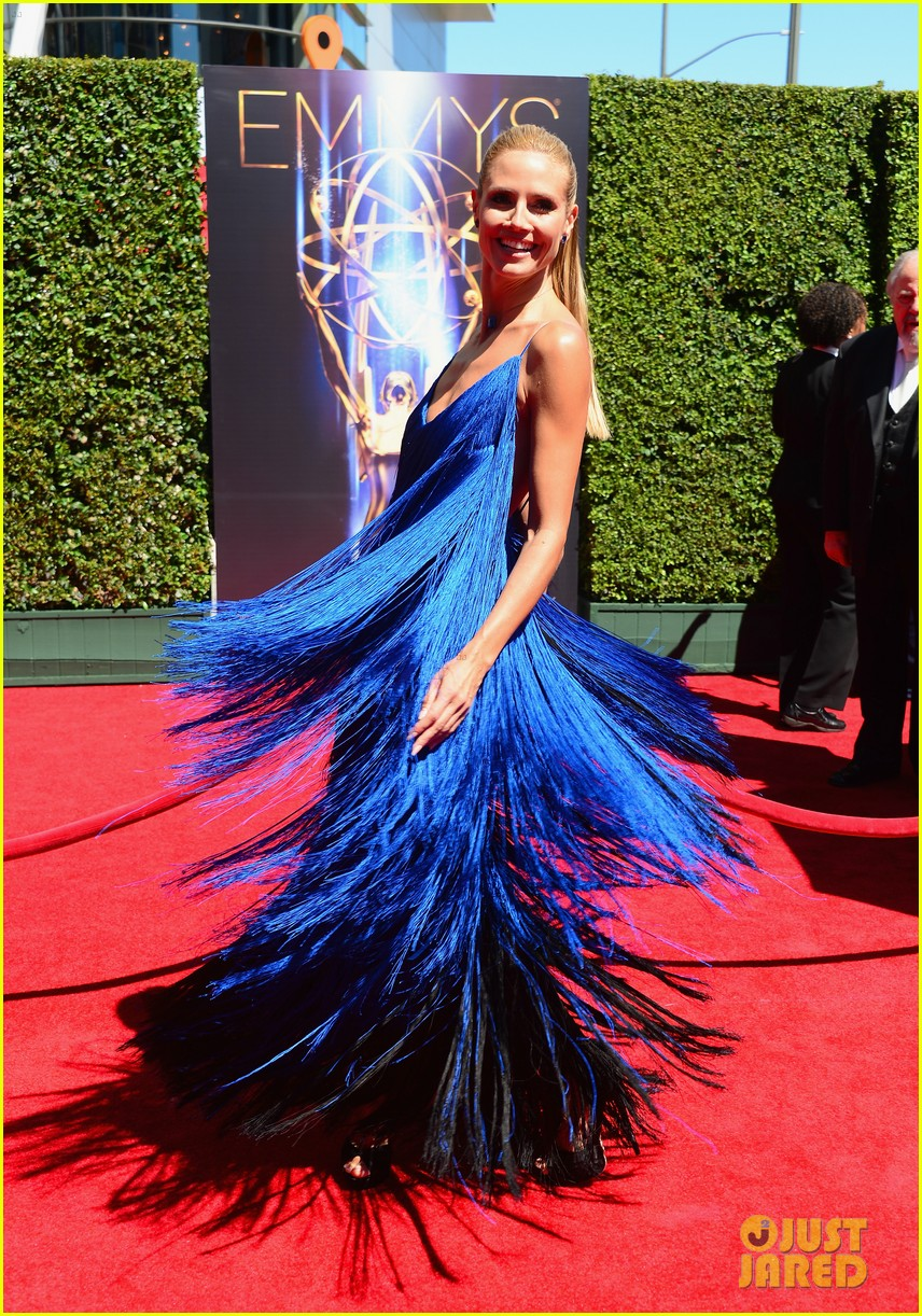 heidi klum twirls into tim gunn creative arts emmys 133177697