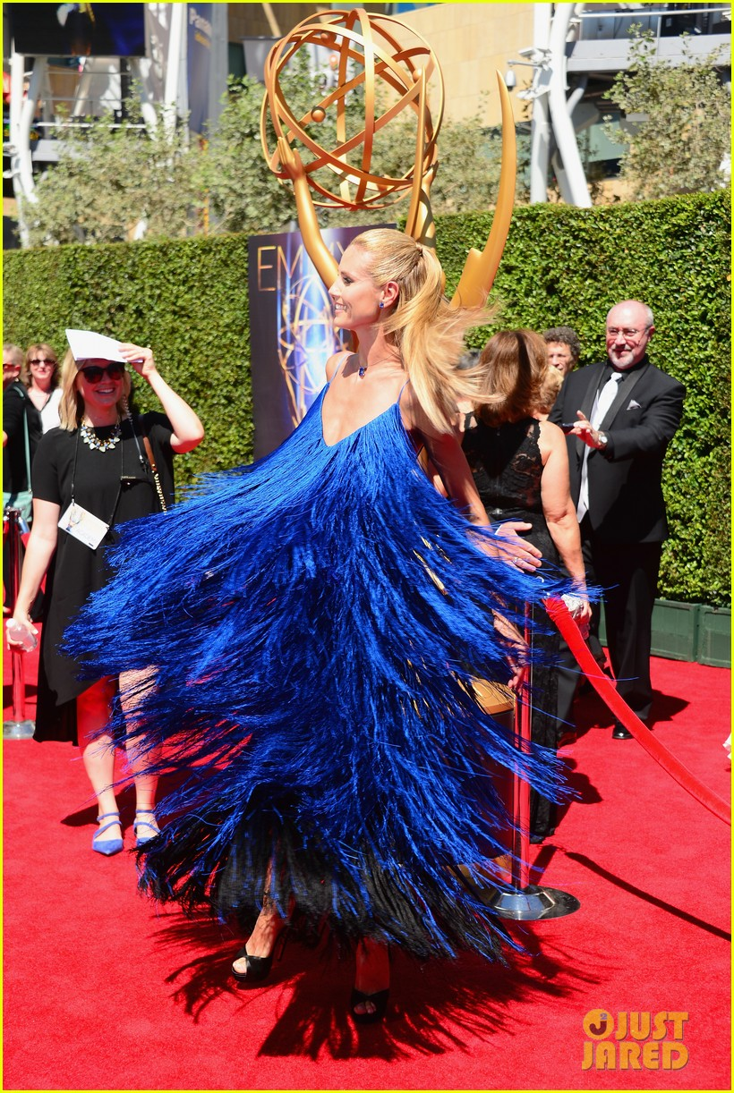 heidi klum twirls into tim gunn creative arts emmys 19