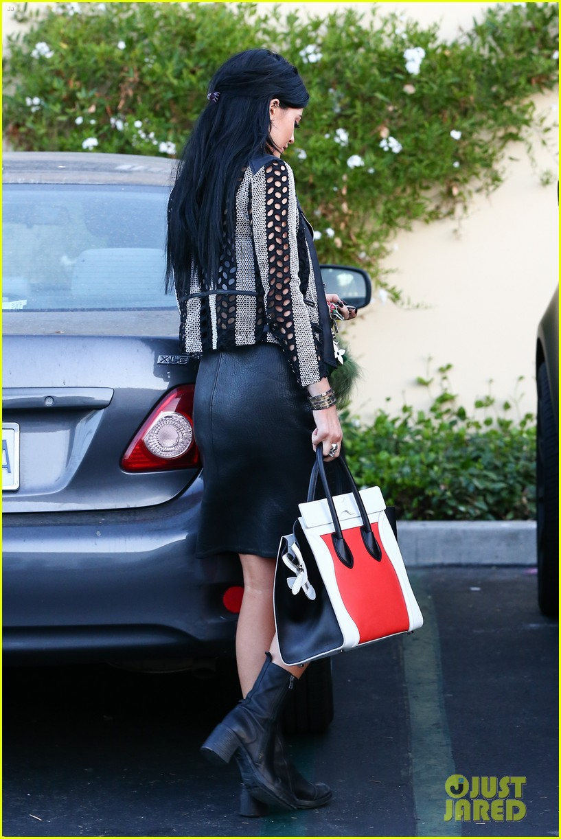 kylie kendall jenner madden girl bts video 223184658