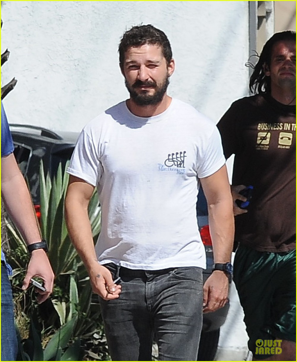 shia labeouf mia goth enjoy lunch date at granville 143181071