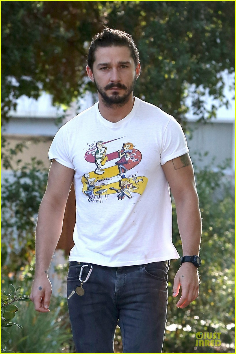 shia labeouf brings the jetsons to meeting 043168791