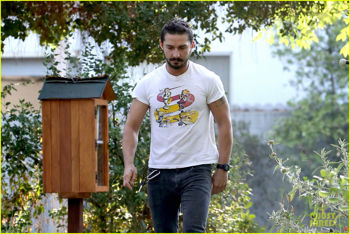shia labeouf brings the jetsons to meeting 063168793