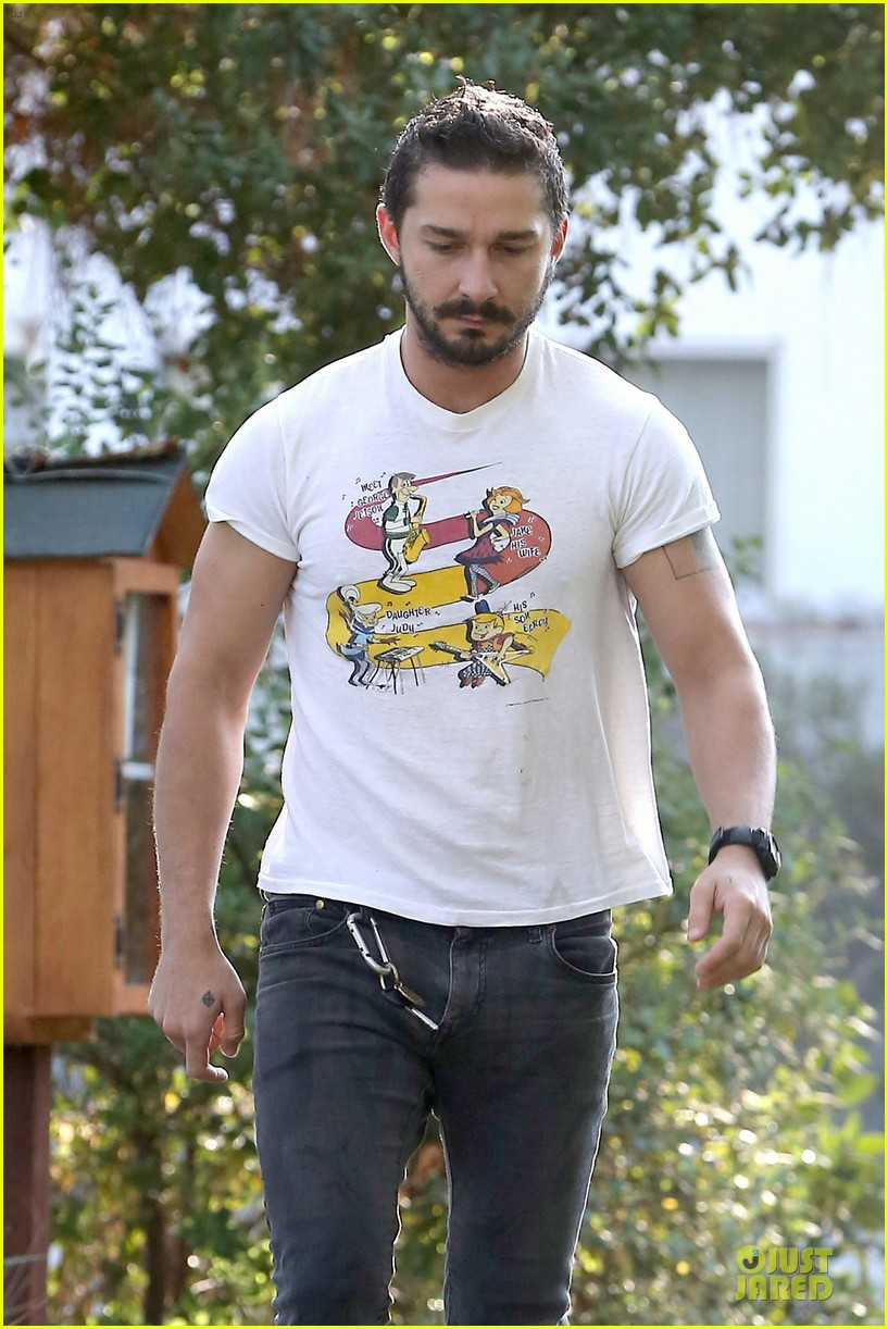 shia labeouf brings the jetsons to meeting 07