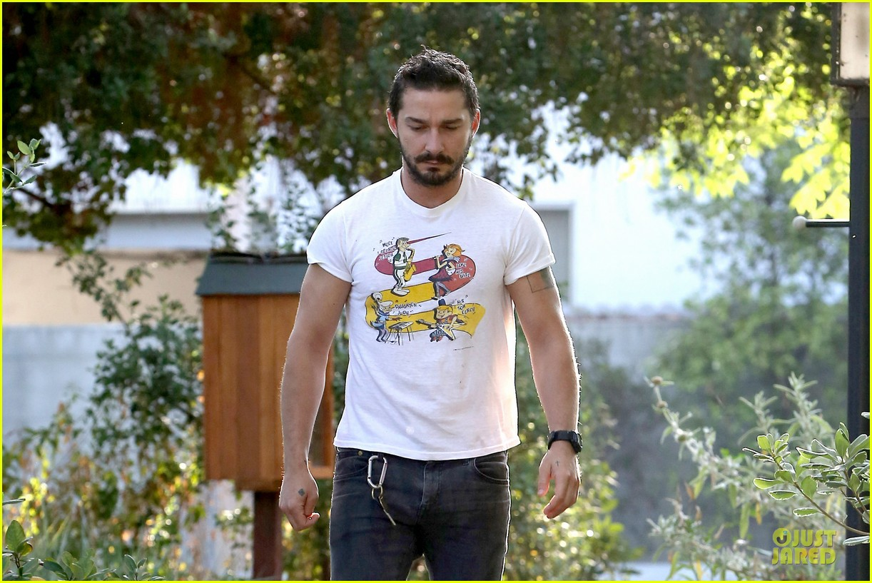 shia labeouf brings the jetsons to meeting 08