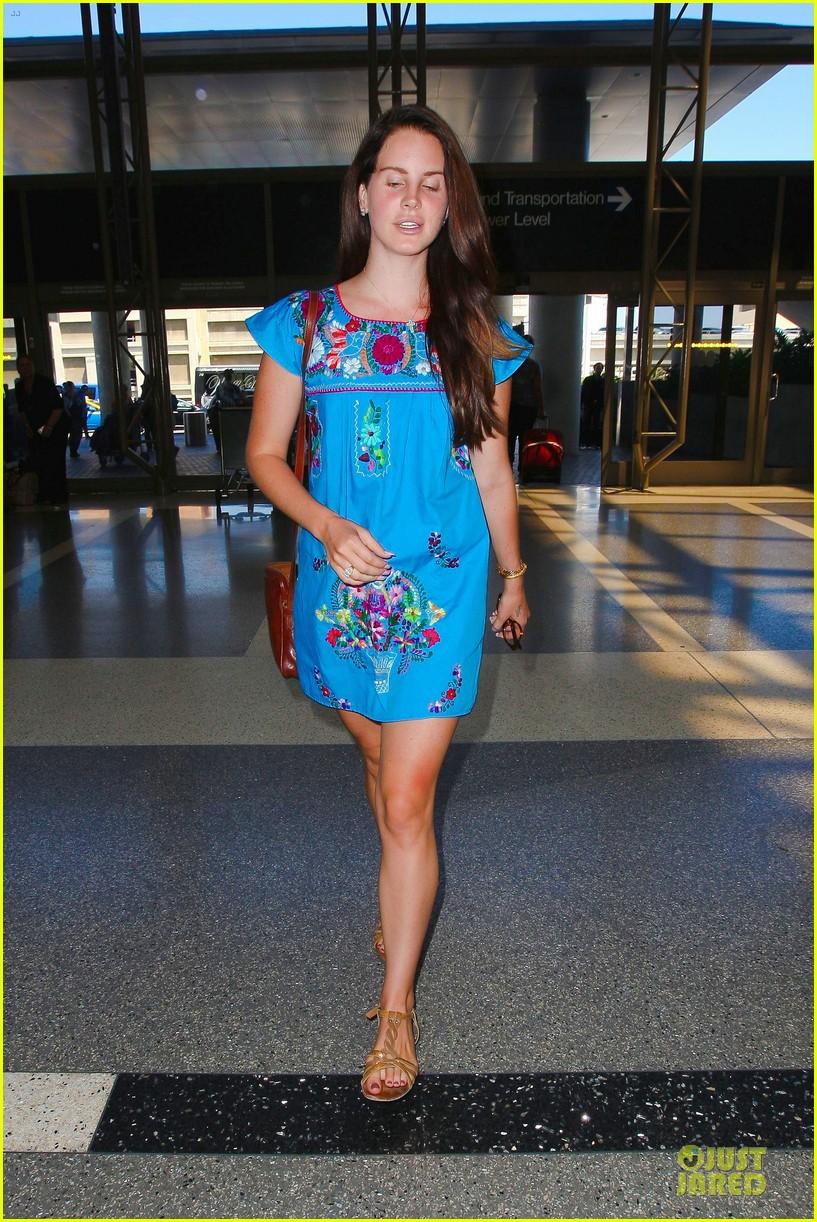 lana del rey blue dress makes us smile 243181232