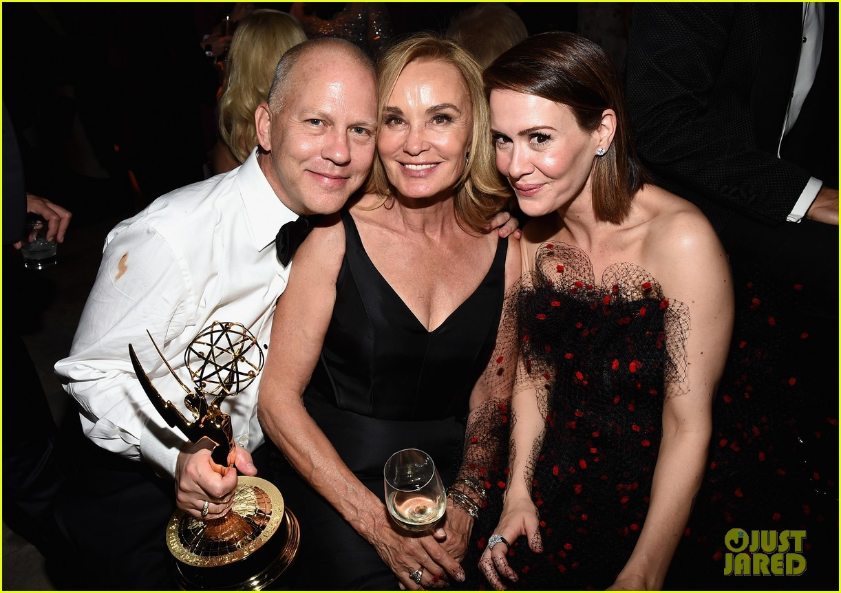 jessica lange brings her emmy to fox after party 043184014