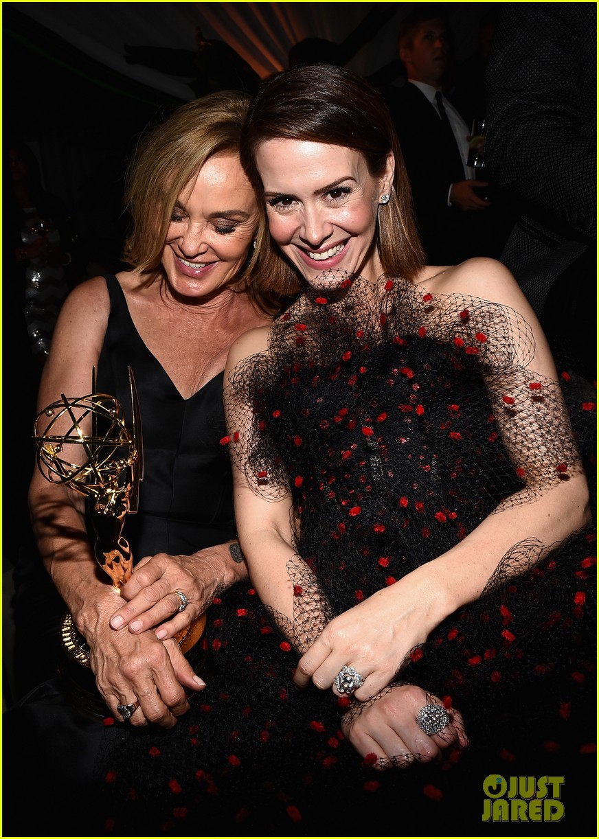 jessica lange brings her emmy to fox after party 13