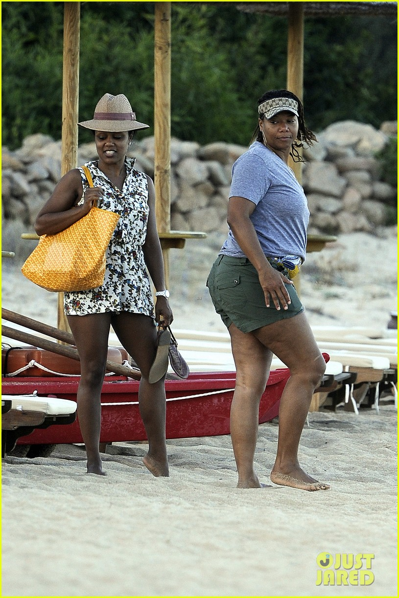 queen latifah shares kiss with girlfriend during romantic italian vaca 103178513