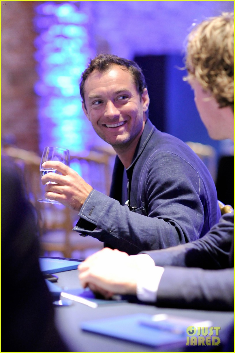 jude law debuts the gentlemans wager at the venice film festival 043184678