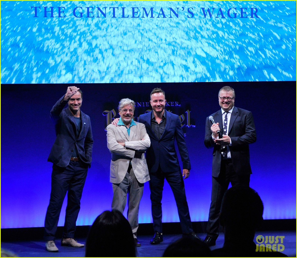 jude law debuts the gentlemans wager at the venice film festival 073184681