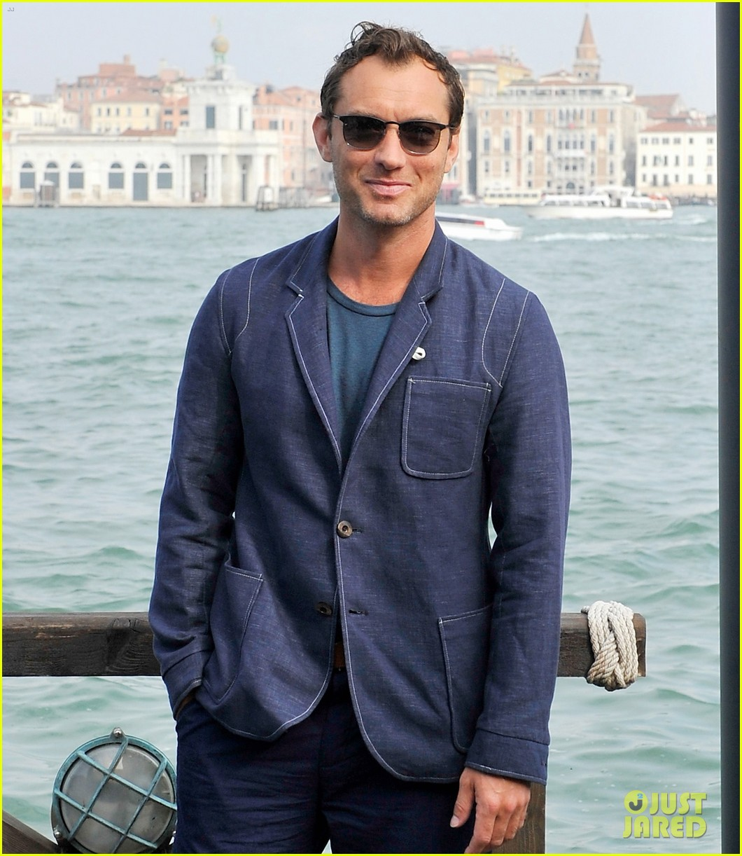 jude law debuts the gentlemans wager at the venice film festival 083184682