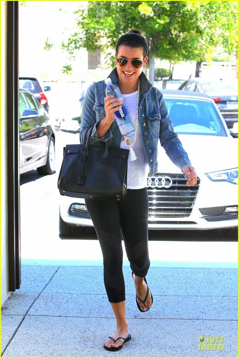 lea michele looks happy to start writing her second book 013177548
