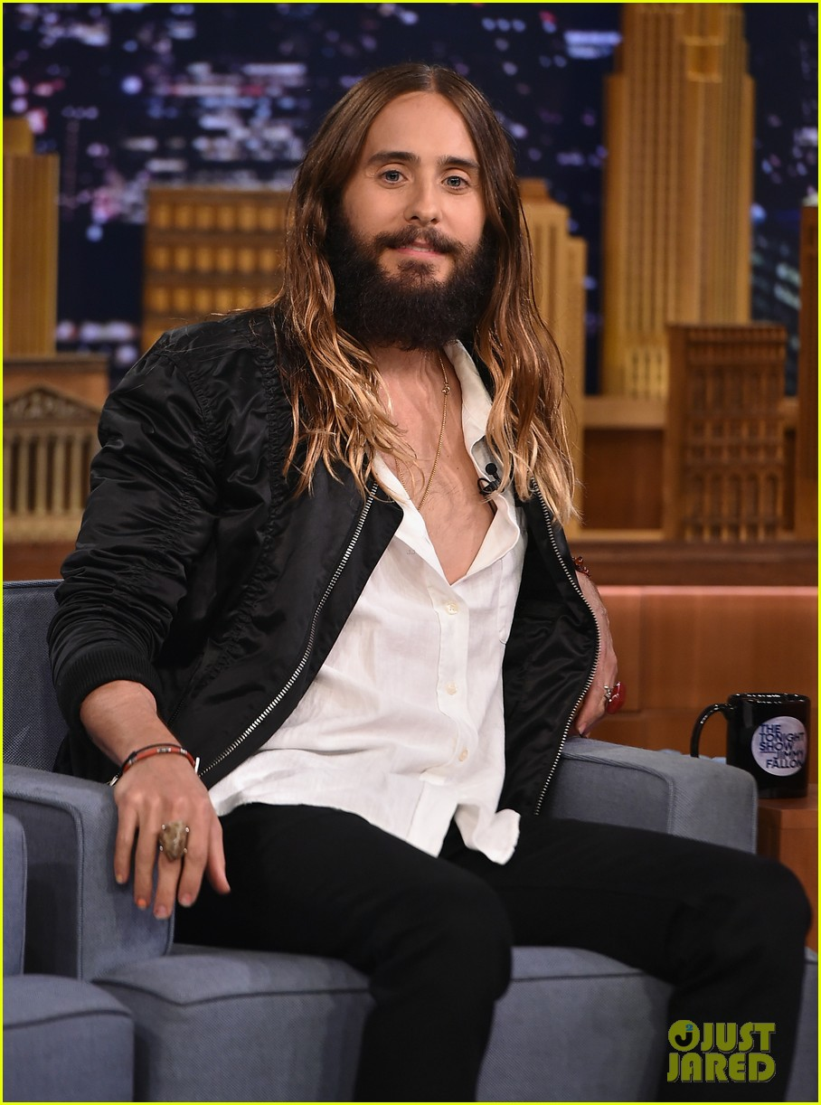 jared leto gets his beard shaved 013179787