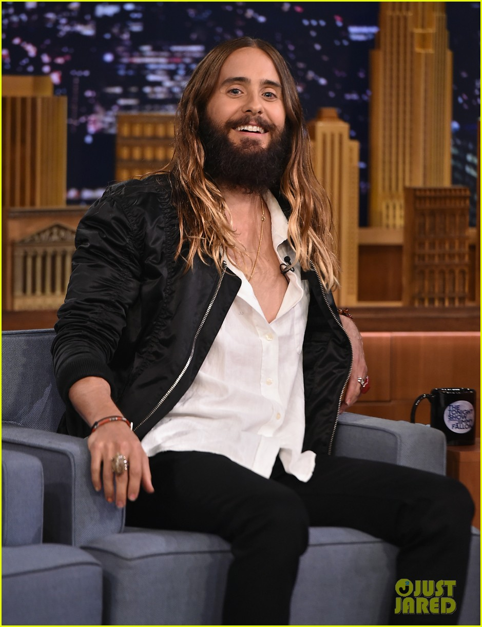 jared leto gets his beard shaved 063179792